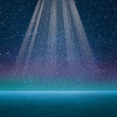 ★【画像有】UFO?未確認飛行物体?沖縄で目撃多数!不思議な動く光の正体は?