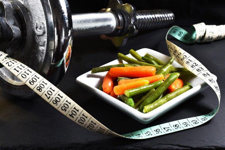 野菜とダンベル